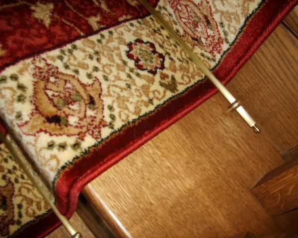 pręty dywanowe na schody